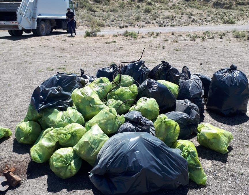 Ambiente colaboró en la limpieza de Isla Escondida realizada por el Club de Pesca de Trelew